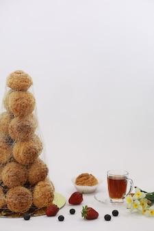 Gâteaux aromatisés à la confiserie pour des vacances et un petit-déjeuner normal