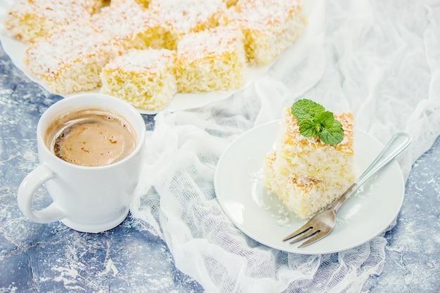Gâteaux aux copeaux de noix de coco. mise au point sélective. aliments.