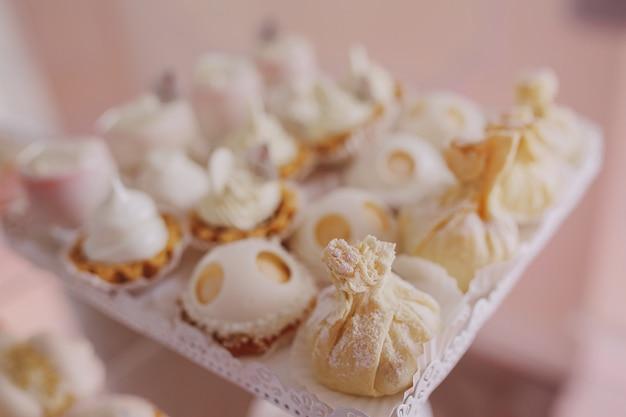 Gâteaux blancs