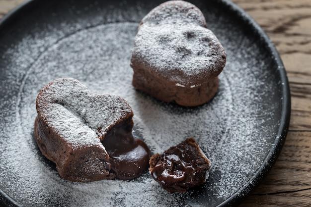 Gâteaux de lave au chocolat en forme de coeur
