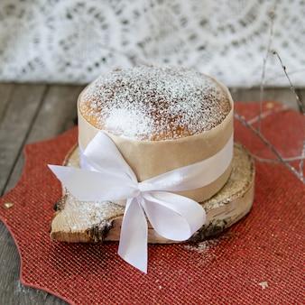 Gâteaux de pâques orthodoxes traditionnellement cuits au four