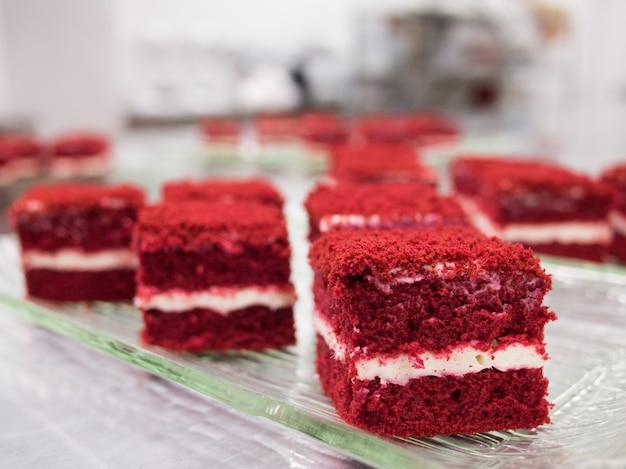 Gâteaux de velours rouge