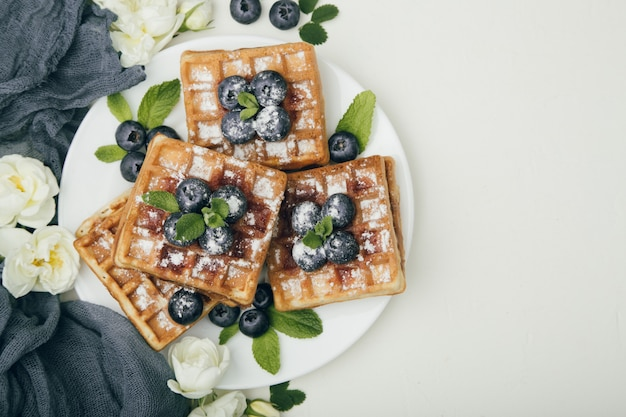 Gaufres belges aux bleuets pour le petit déjeuner