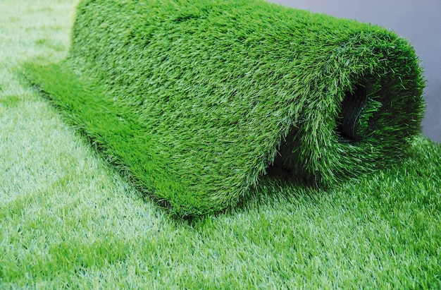 Gazon artificiel dans le jardin