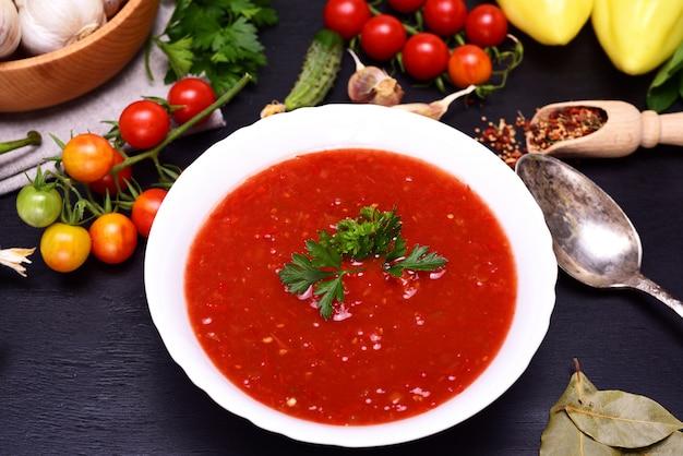 Gazpacho soupe froide espagnole