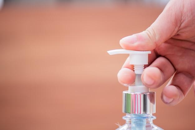Un gel d'alcool empêche la propagation du virus corona