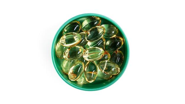 Gélules de gélatine oméga 3 isolées.
