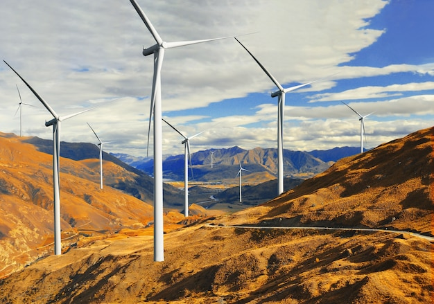 Générateur d'énergie éolienne dans un magnifique paysage naturel pour la production d'énergie renouvelable