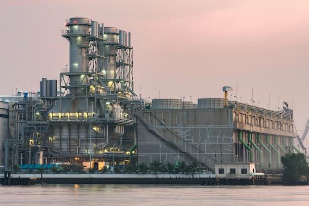 Générateur de turbine dans une centrale électrique
