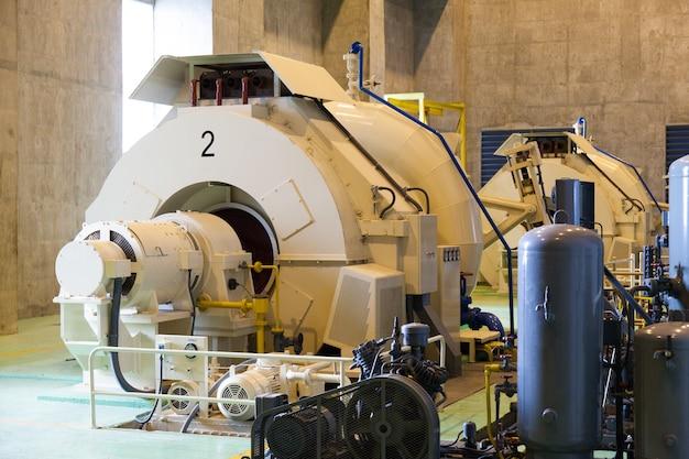 Générateurs d'énergie avec de l'eau.