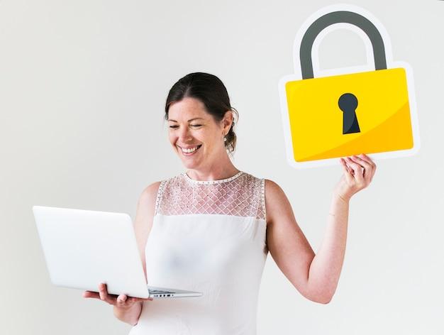Gens avec le concept de cyber-sécurité