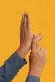 Geste de la main en langue des signes