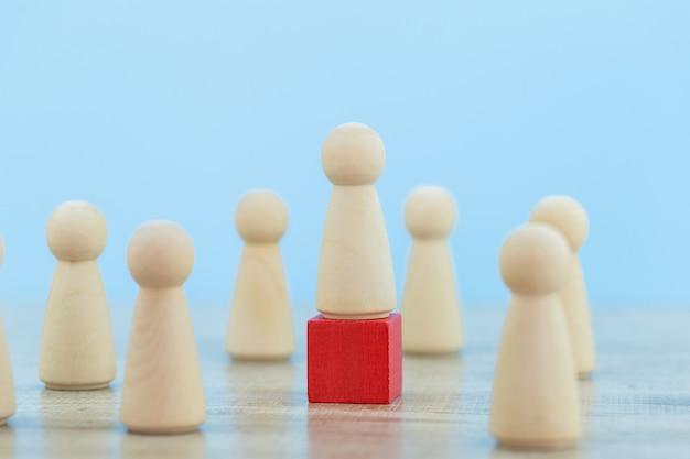 Gestion des ressources humaines, recherche de personnes et d'équipes commerciales avec les concepts de dirigeant d'entreprise-image.