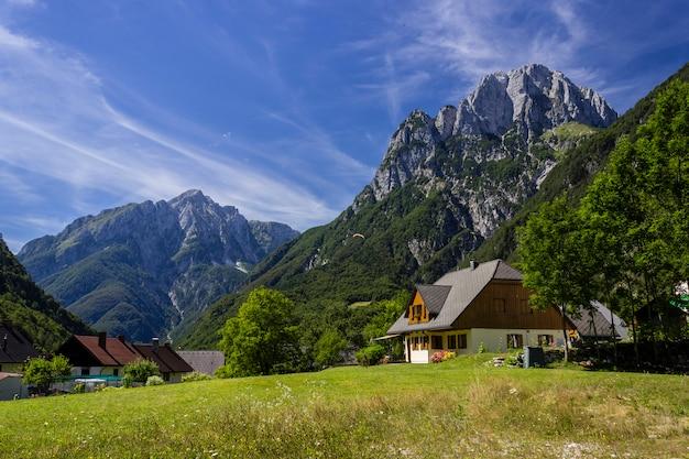 Gîte dans un paysage rural dans les alpes slovènes