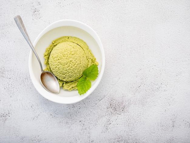 Glace au thé vert matcha