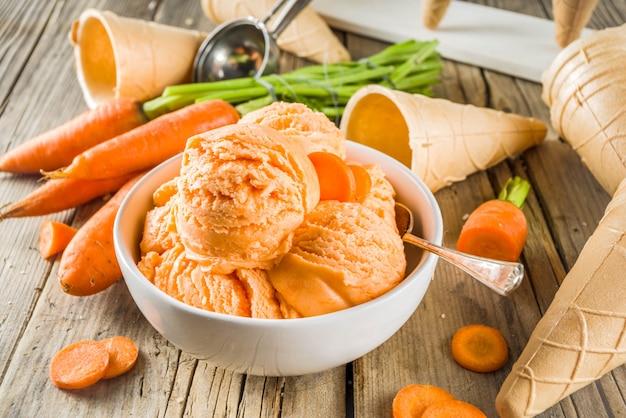 Glace végétalienne aux carottes