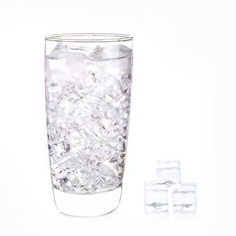 Glace wster en verre sur blanc