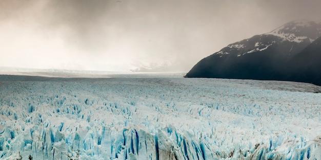 Glacier perito moreno, lac argentino, parc national los glaciares, province de santa cruz, patagonie,