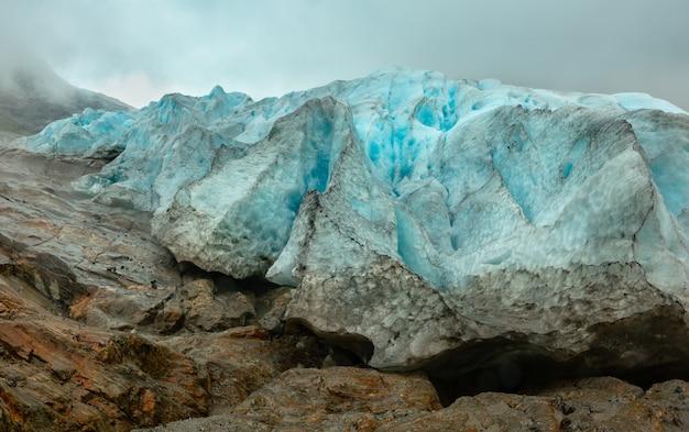 Glacier svartisen détaillé en partie de près (meloy, norvège)