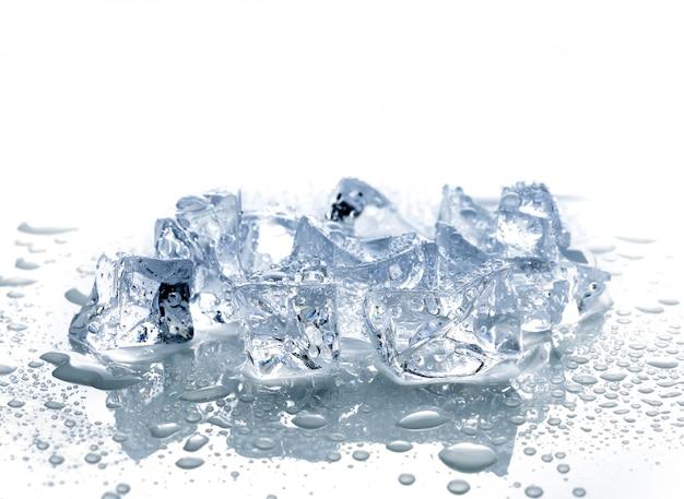Glaçons avec de l'eau