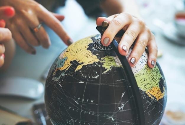 Globe terrestre voyageur