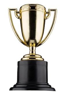 Le gobelet d'or est isolé sur un fond blanc.