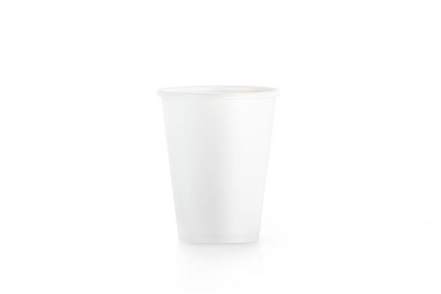 Gobelet en papier jetable blanc blanc isolé