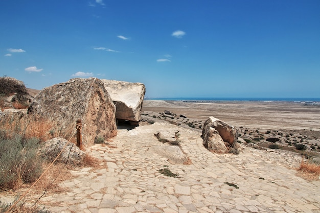 Gobustan est un parc de pétroglyphes en azerbaïdjan