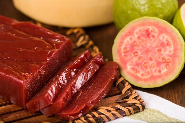 Goiabada, un bonbon à base de goyave, bonbon brésilien.