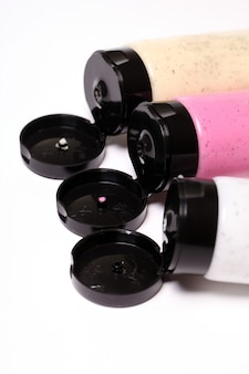 Gommages colorés en tubes