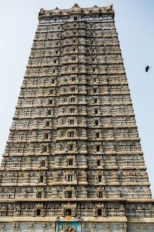 Le gopura de 20 étages dans le temple de murdeshwar