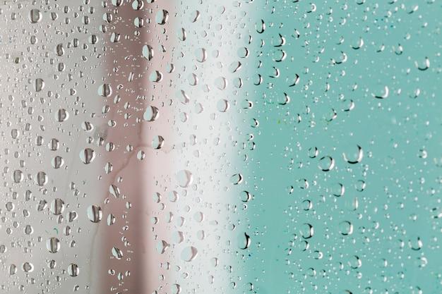 Gouttes d'eau sur fond abstrait