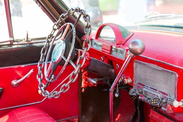 Gouvernail de voiture d'époque
