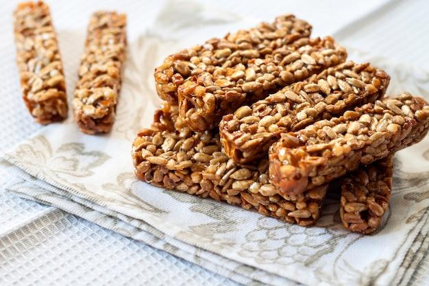 Gozinaki barres de graines de tournesol et de miel
