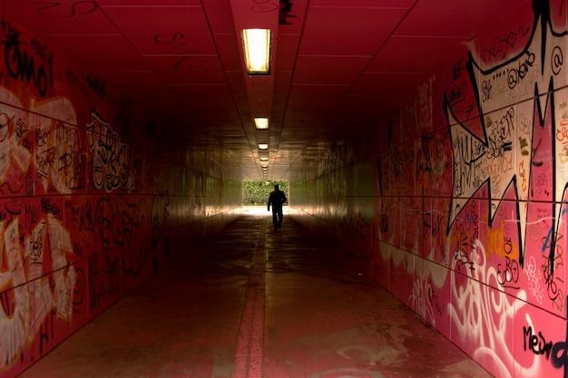 Graffiti dans le tunnel