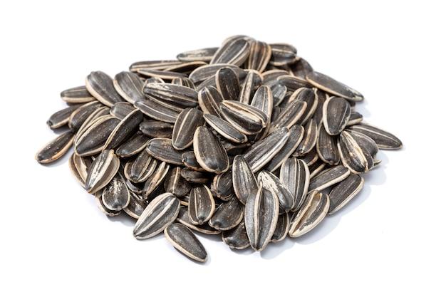 Graines de tournesol isolées. graine d'helianthus