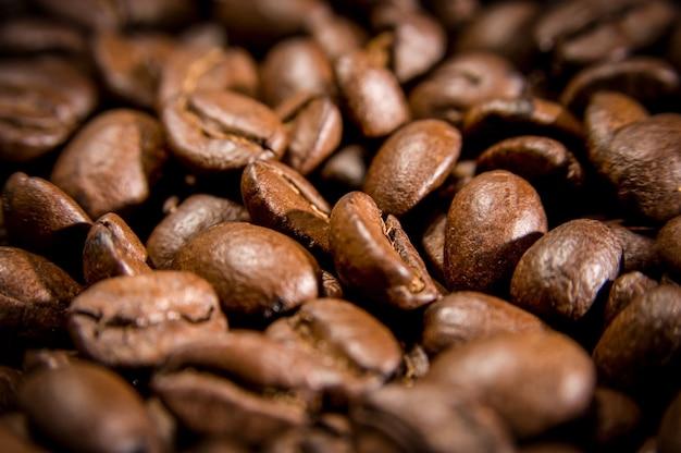 Grains de café bruns pour le fond et la texture