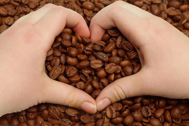 Grains de café et coeur, concept
