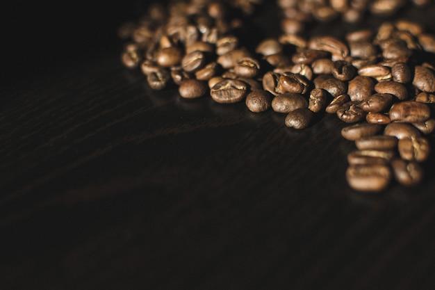Grains de café en forme aléatoire