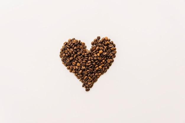 Grains de café en forme de coeur