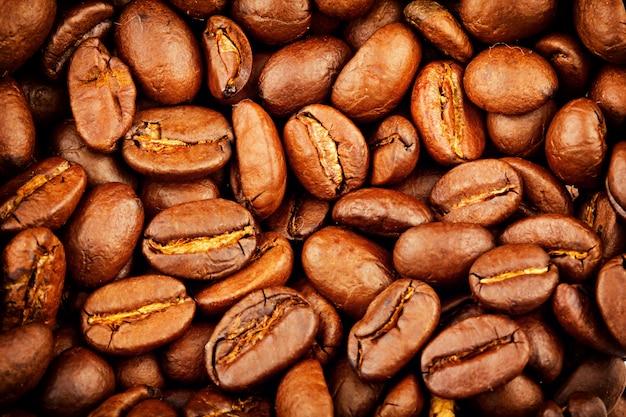 Grains de café torréfiés extrême closeup