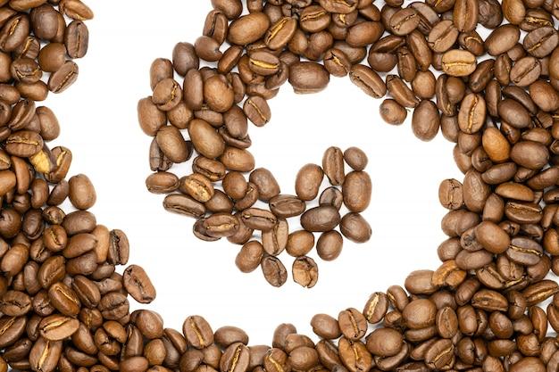 Grains de café torréfiés, forme en spirale, se bouchent.
