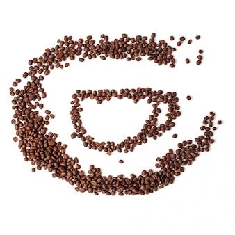 Grains de café torréfiés isolés sur fond blanc, vue de dessus