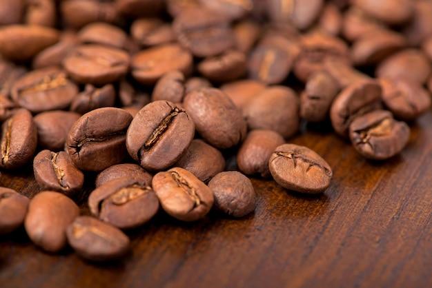 Grains de café torréfiés, peuvent être utilisés comme surface