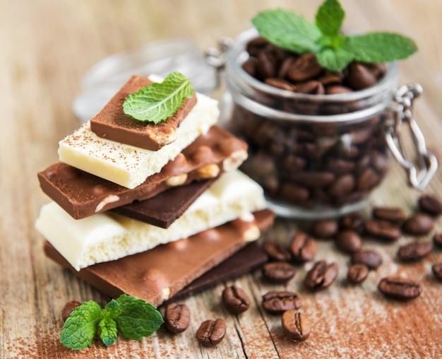 Grains de chocolat et de café