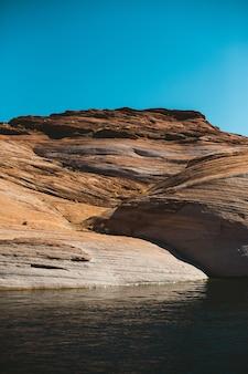Grand canyon montagne et rivière