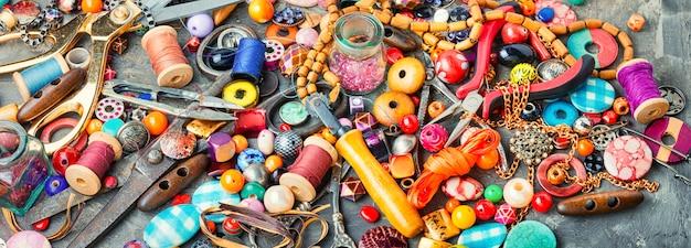 Grand ensemble de perles pour la créativité