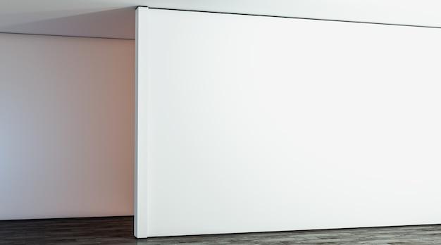 Grand mur blanc vierge de la galerie dans la salle des maquettes