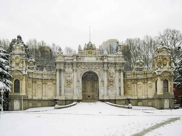 Grand palais pittoresque de dolmabahce à istanbul. dinde.