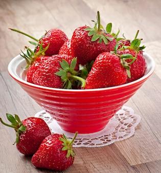 Grand plan, de, fraise, sur, table bois